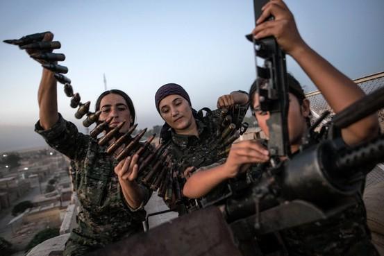 kurd_katonanők_harcolnak_az_isis_ellen_-_wordpress