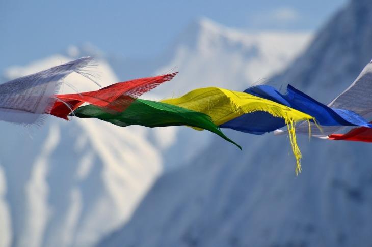tibetan-prayer-flags-1384193_1280
