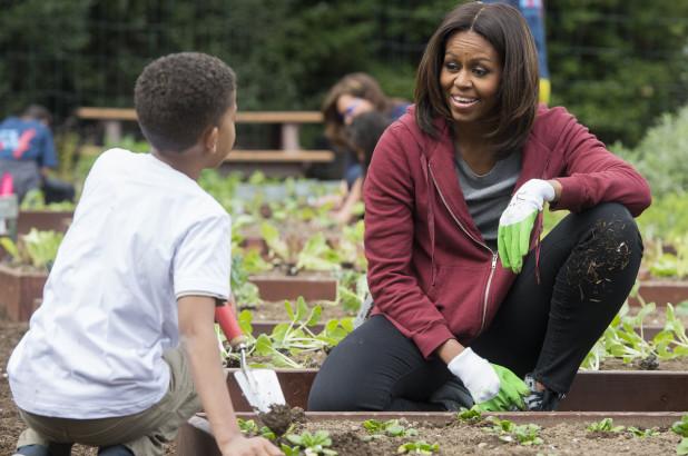 161108-michelle-obama-garden-feature