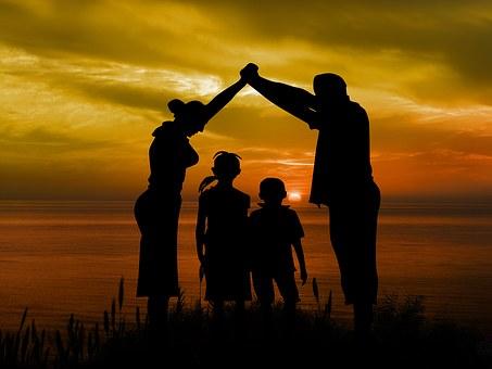 family-1466262__340