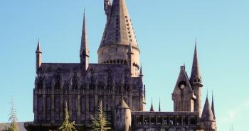 hogwarts-2182636_1920