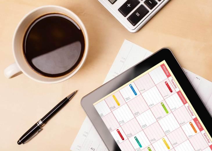 tablet-calendar-coffee-desk-ss-1920